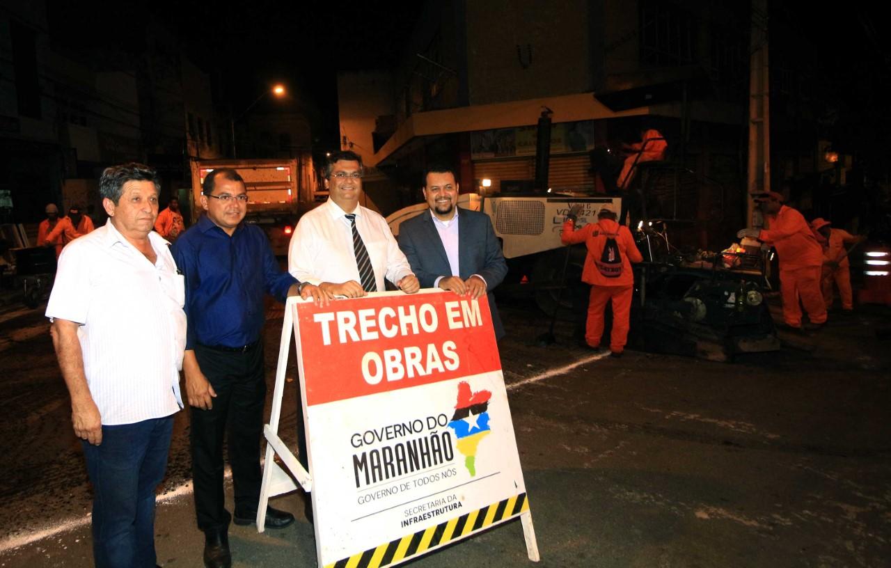 thumbnail_Governador Flávio Dino vistoria obra do Mais Asfalto na rua de Santana foto Gilson Teixeira (14)