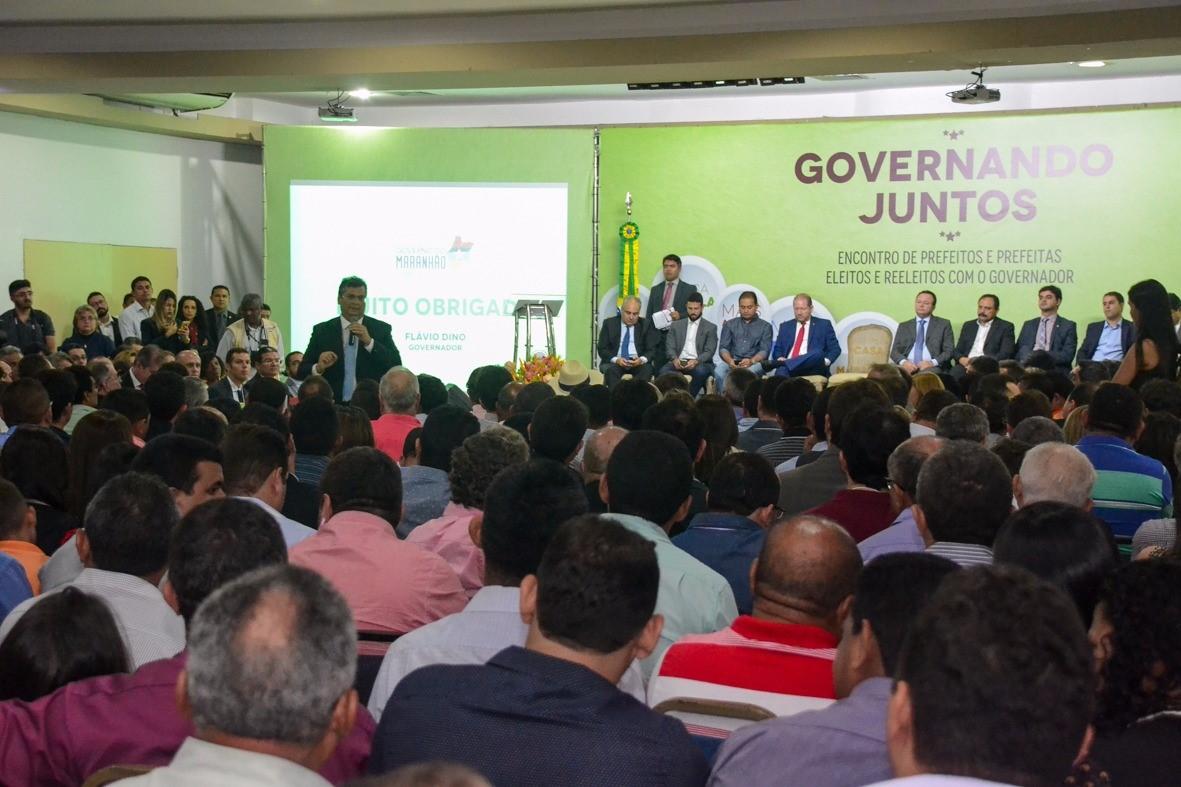 thumbnail_foto_karlosgeromy-governando-juntos-encontro-de-prefeitos-eleitos-e-reeleitos-1