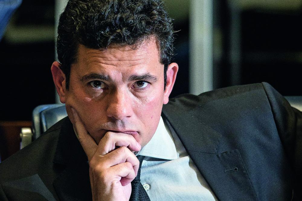 Juiz Moro decreta prisão de Lula